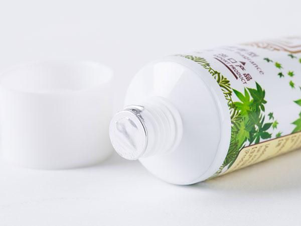 藤茶黄酮牙膏